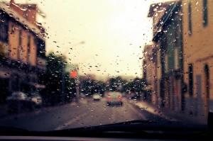 consejos-para-conducir-cuando-llueve
